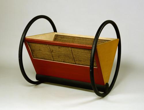Cuna Bauhaus mobiliario diseño habitaciones infantiles