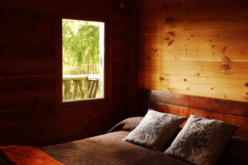 dormir en los árboles cabañas