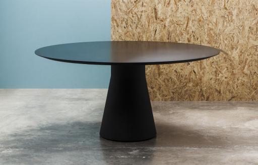 Andreu World diseño valenciano mesa