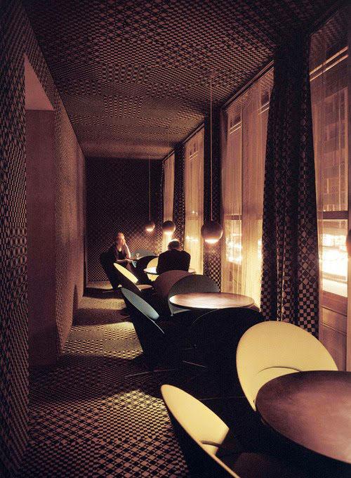 Diseño restaurante Astoria de Verner Panton, diseñador silla Panton