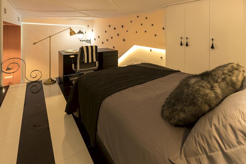 dormitorio-vestidor-abierto-vivienda-loft-duplex-estilo-masculino-tiovivo