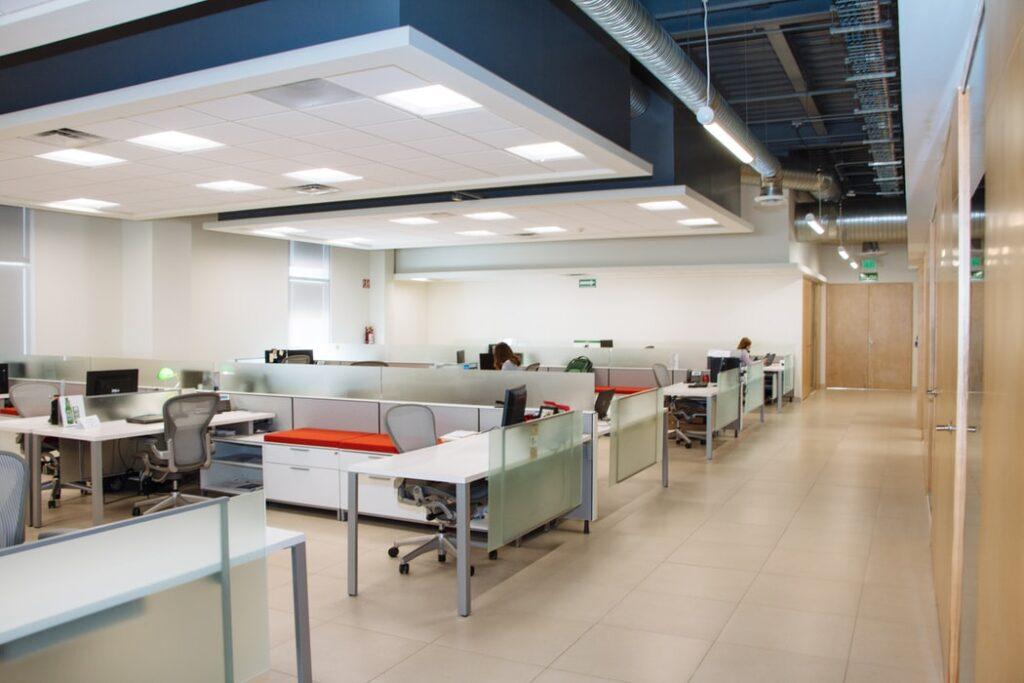 diseño de oficinas adaptadas a coronavirus