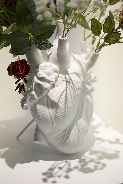 Diseño gimnasio Inertial espacio decoración corazón seletti