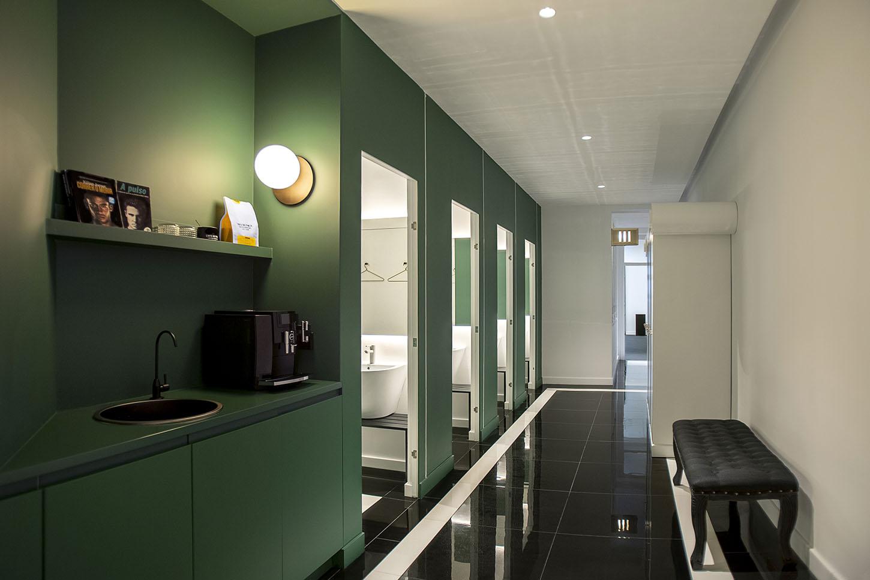 Diseño centro entrenamiento personal Inertial zona común cafetería