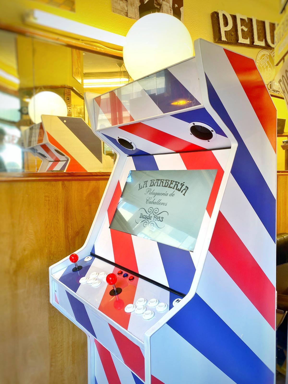 Diseño máquina arcade personalizada