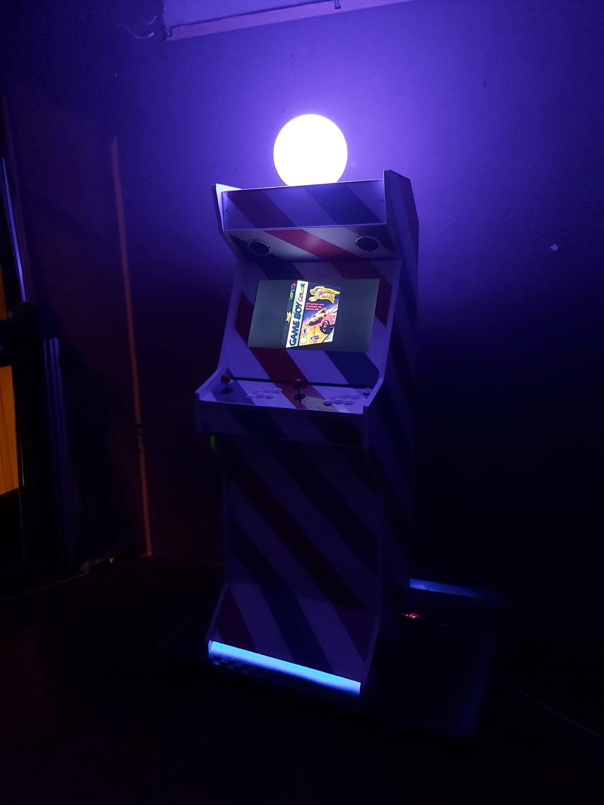 Máquina Arcade personalizada en valencia
