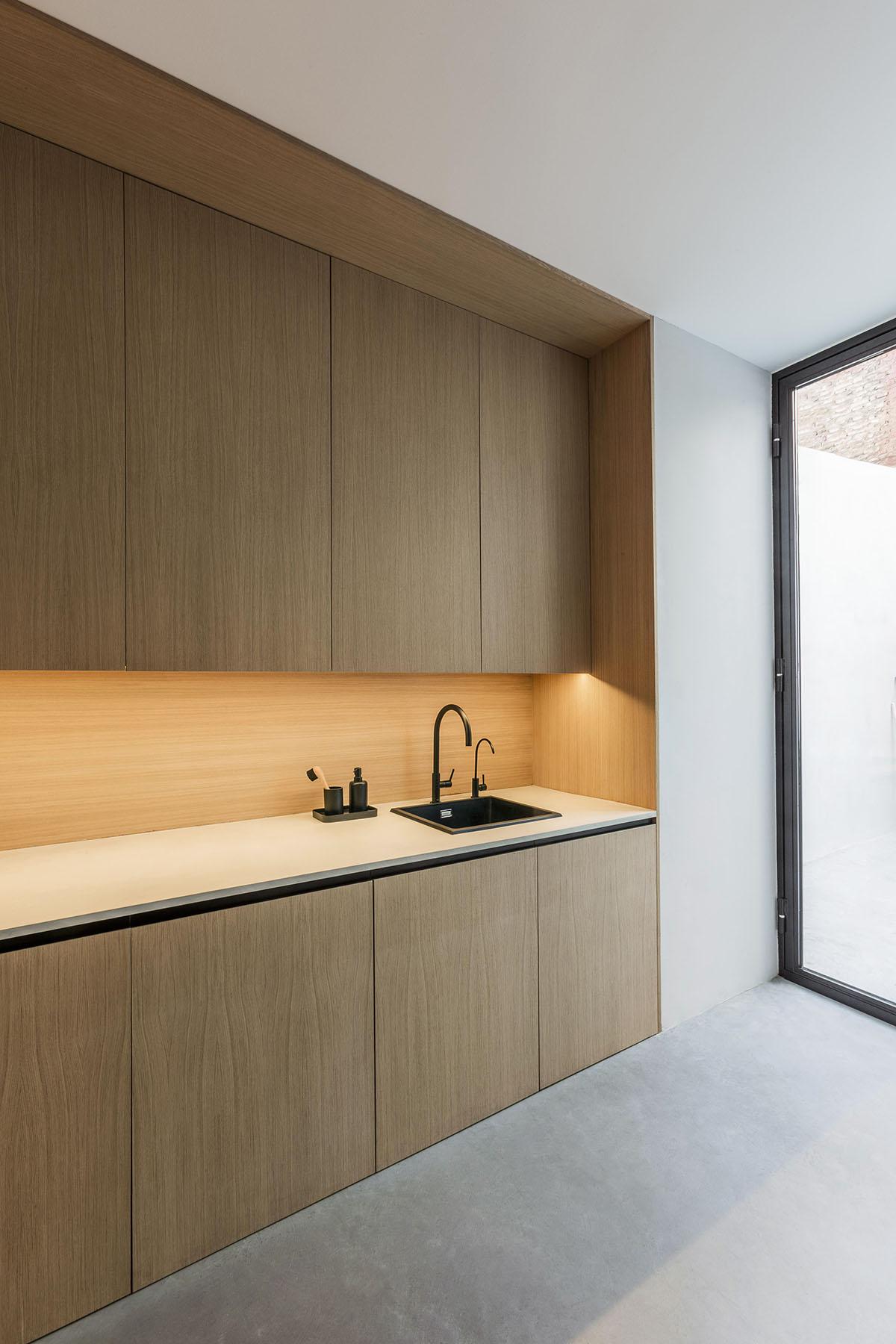 Mobiliario a medida diseño oficinas Valencia